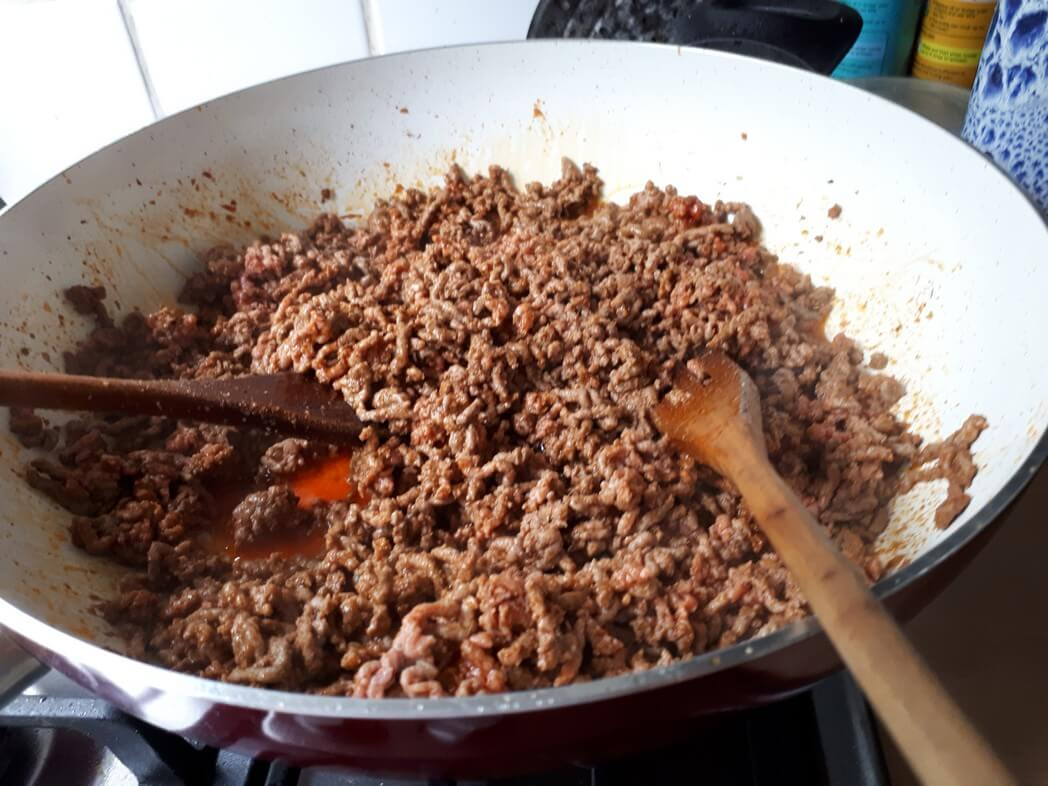 Minced beef cooking